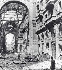 Milano bombardata
